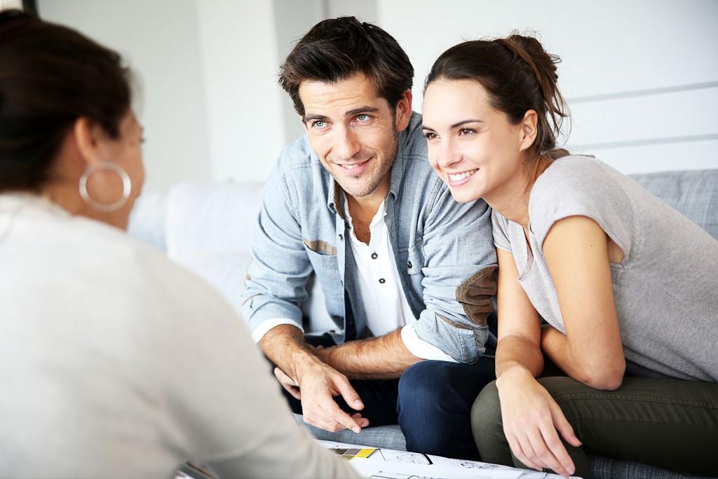 Unterlagen und Besprechung zu Immobilie