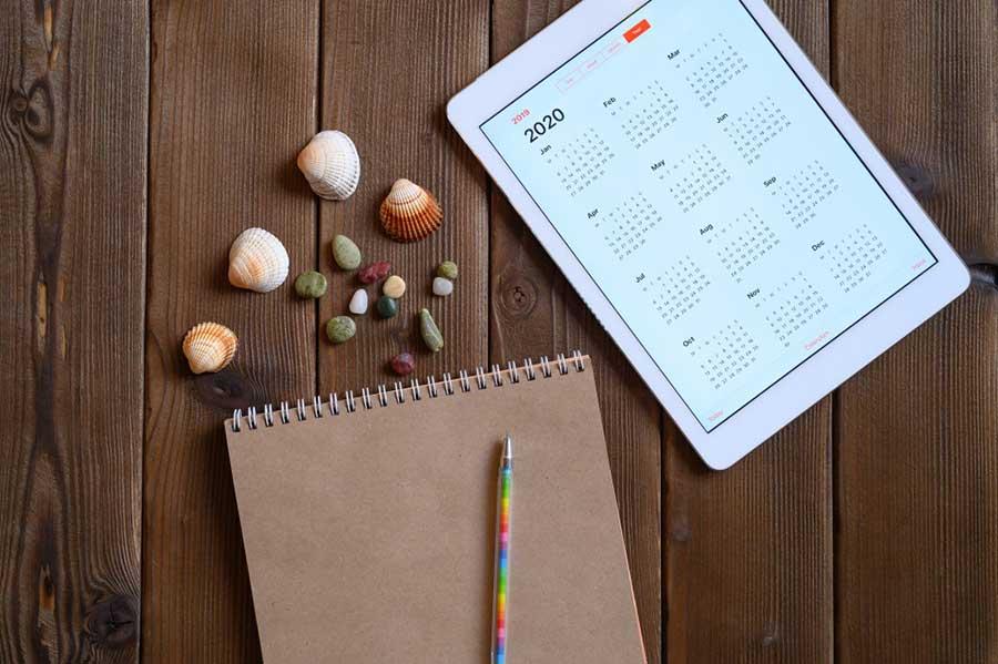 Kalender und Notizblock